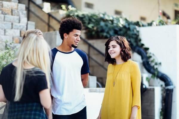 企業が面接で見ているコミュニケーション能力とは?