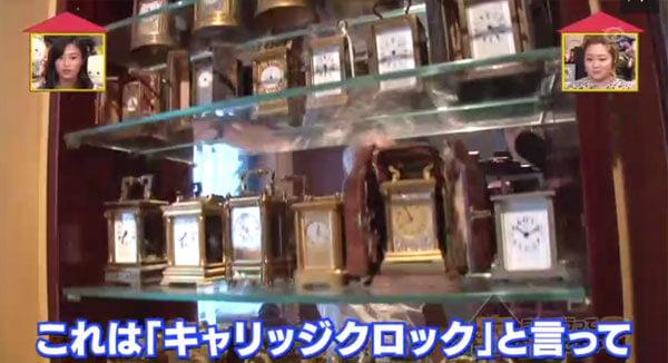 これは「キャリッジクロック」と言って日本ではなかなか手に入らないモノなんです。基本的に上にハンドルがついていて、キャリッジして下さいというような