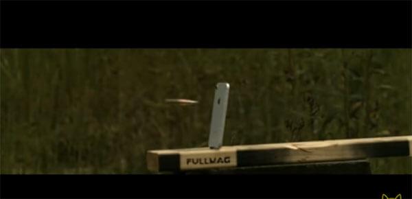 iPhone8をライフルで撃つと壊れる脆弱性