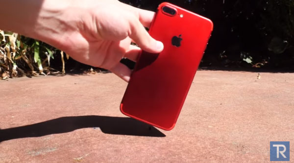 iPhone7Plusを画面を上にして落とした結果