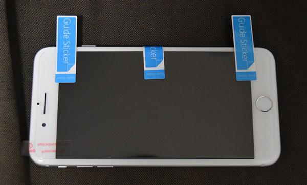 スマホに保護フィルムを綺麗に貼る簡単な方法3