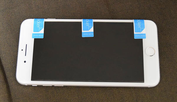 スマホに保護フィルムを綺麗に貼る簡単な方法9