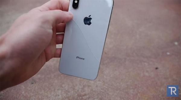 iPhoneXの画面割れ実験動画3