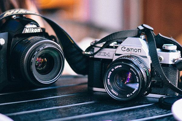 初心者向けカメラの選び方!「NikonかCanonか」「デジイチとミラーレスの違い」など